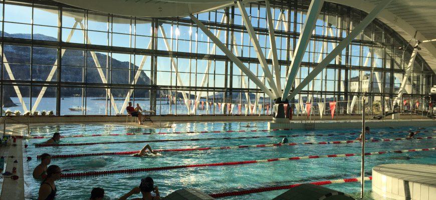Den store svømmedag i Nuuk Svømmehal